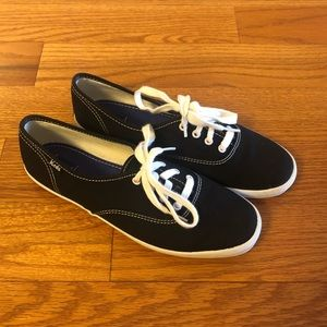 Keds Champion Black Canvas Sneakers in Size 7